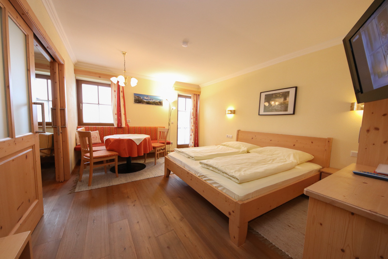 Holiday flats & rooms in Lofer